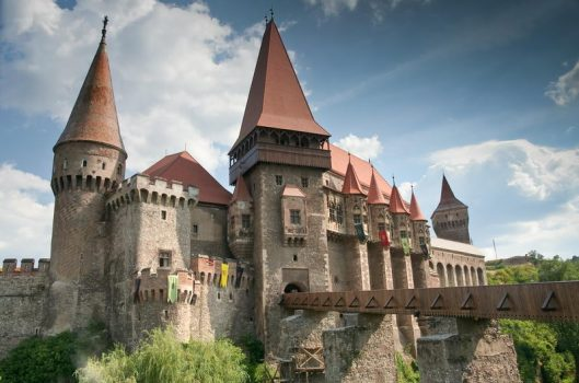 Castelul Huniazilor / Corvinilor / Corvinestilor