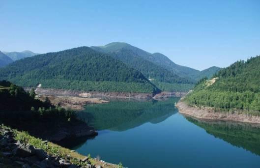 Lacul Gura apei vazut de pe baraj